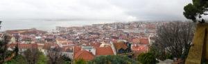 Вид на город с замка Святого Георгия